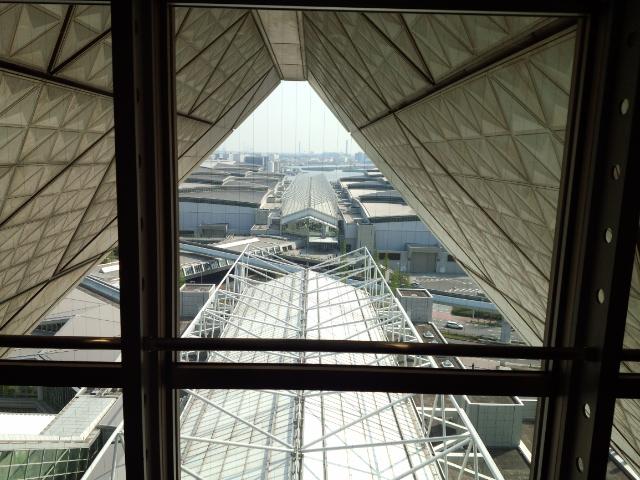 東京ビッグサイト頂部の逆三角錐に初めて来た!